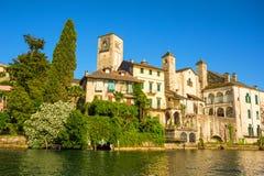 See Orta mit der Insel von San Giulio, Italien Stockfotografie