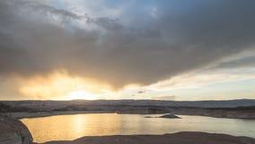 See Powell bei dem Sonnenuntergang genommen von den Hallen, die Zeit-Versehen kreuzen stock video