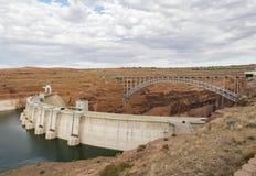 See Powell Dam an einem sonnigen Nachmittag Glen Canyon, Seite stockfotos