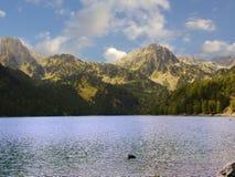 See in Pyrenees lizenzfreie stockbilder