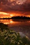 See am Sonnenuntergang stockfotos