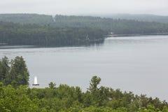 See Sunapee von Clark Landing in neuem London, New Hampshire lizenzfreies stockbild