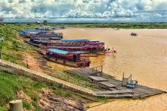 SEE TONLE SAP, COMBODIA - 28 06 2017: Chong Knies Village, Tonl Lizenzfreie Stockbilder