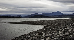 See umgeben durch Berge Stockfoto