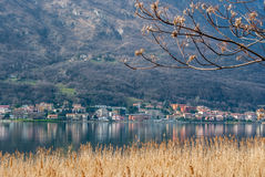 See und Berg Stockbild