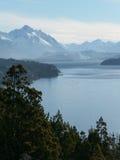 See und Bergblicke von Bariloche lizenzfreies stockfoto