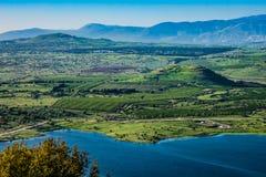 See und Hügel Lizenzfreie Stockbilder