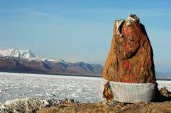 See-und Schnee-Berge in Tibet lizenzfreie stockfotos