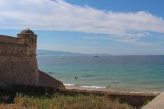 See- und Zitadellenwand in Ajacco Corse, Frankreich Lizenzfreies Stockbild