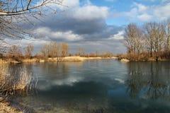 See unter Wolken Lizenzfreie Stockfotos