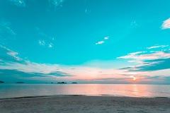 Seeabendlandschaft im Winter Natur-Ozean-Hintergrund im Freien Stockfotografie