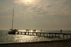 Seeansicht über Pier Stockbilder