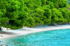 Seeansicht in adriatischer Küstenregion in Dalmatien, Kroatien Stockfoto