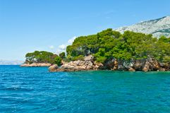 Seeansicht in adriatischer Küstenregion in Dalmatien, Kroatien Stockfotos
