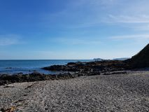 Seeansicht an Portmanock-Strand lizenzfreie stockbilder