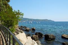 Seeansicht in Stadt Herceg Novi, Montenegro Stockbilder