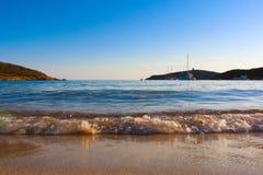 Seeansicht-Verkäufer auf dem Strand lizenzfreie stockfotografie