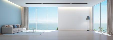 Seeansichtwohnzimmer mit Bretterboden und leeren weißen Wandhintergrund im Luxusstrandhaus, moderner Innenraum des Ferienheims lizenzfreie abbildung
