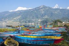 Seeblick in Pokhara Lizenzfreies Stockbild