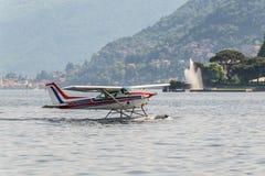Seeflugzeug auf Como See in Italien Stockbild