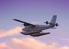 Seeflugzeug an der Dämmerung stockbilder