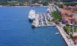 Seehafen in der Stadt von Rovinj anlegeplatz kroatien Lizenzfreies Stockfoto