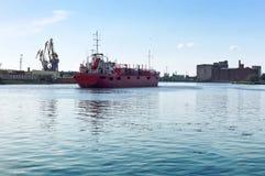 Seehafen, Hafen, Marinesoldat, Kran, ladender Anschluss, Laden, Logistik, Pier Stockbild