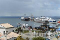 Seehafen von Ushuaia - die südlichste Stadt in der Welt Stockbilder
