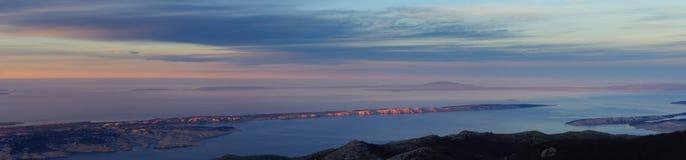 Seeinseln unten am Panorama Stockfotografie