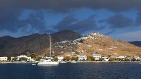 Seeküste in Chora Serifos Stockbilder
