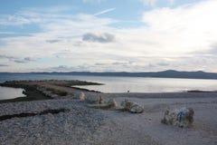 Seeküste mit Sonnenuntergang in Dalmatien Adria Croatia lizenzfreie stockfotografie