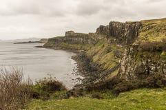 Seeküstenlinie auf Skye Island stockfotos