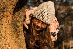 Seek и девушка тайника Стоковые Фото