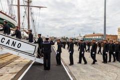 Seekadetten des Schiffs Juan Sebastian de Elcano stockbilder