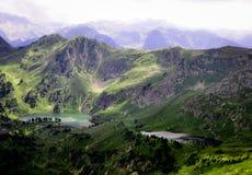 Seen gesehen während des Wanderns in Pyrenäen Stockbild