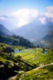 Seen und Grün im Berg Stockfotografie
