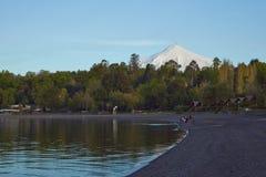 Seen und Vulkane von Chile lizenzfreie stockfotos