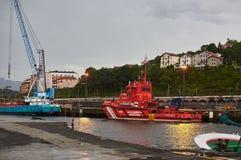 Seerettungsboot von Salvamento-maritimo Hafen von Hondarribia, Baskenland, Spanien Lizenzfreies Stockfoto