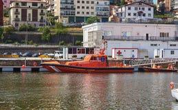 Seerettungsboot von Salvamento-maritimo Hafen von Hondarribia, Baskenland, Spanien Lizenzfreie Stockfotografie