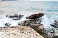 Seesteine während am Regen, khao laem ya Nationalpark, rayong Provinz, Thailand stockfotos