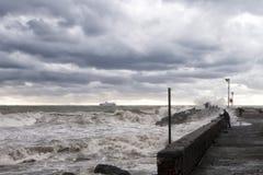 Seesturm auf dem Ufer Lizenzfreies Stockbild