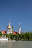 Seeufer-Kirche Lizenzfreie Stockfotos