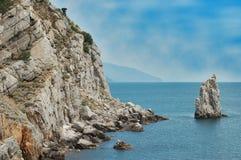 Seeufer und -berge Stockbilder