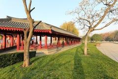 Seeuferpromenade von datang furong Garten im Winter, luftgetrockneter Ziegelstein rgb Lizenzfreies Stockfoto