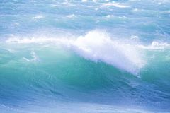Seewelle mit Schaum Lizenzfreies Stockfoto