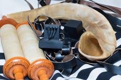 Sefer Torah (bible), avec le tefillin avec le shofar photographie stock