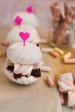 Sefirmarshmallowkakor som smörgåsar Arkivbild