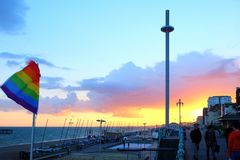 Sefront de Brighton en la puesta del sol imagen de archivo