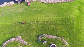 Sega do gramado video estoque