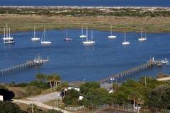 Segel-Boote im Schacht lizenzfreies stockfoto